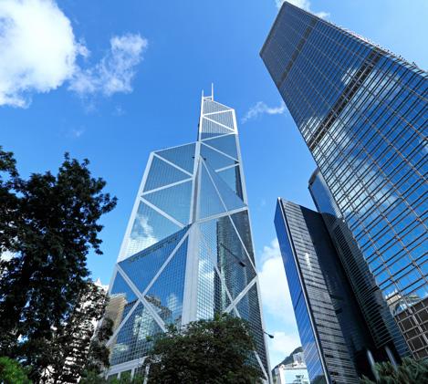<span>유리창청소</span><br> 사람의 얼굴이 첫인상이라면 업체의 첫인상은 건물입니다. 유리창 청소는 사업번창을 위한 필수요소입니다.